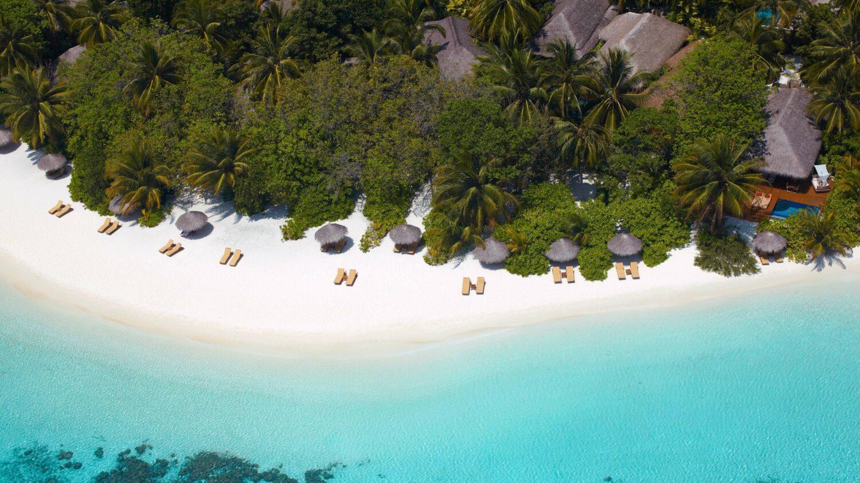 beach view-baros maldives
