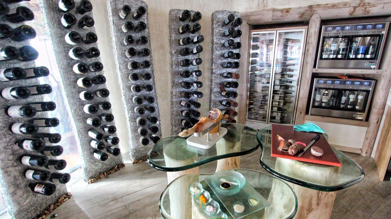 wine cellar-soneva fushi maldives