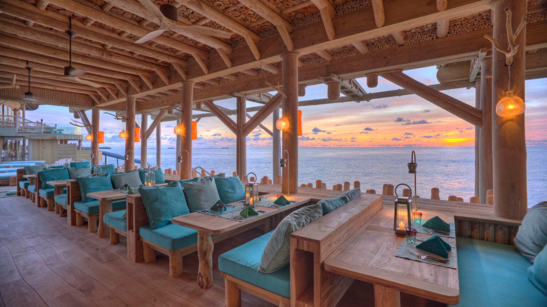 restaurant ocean view-soneva fushi maldives