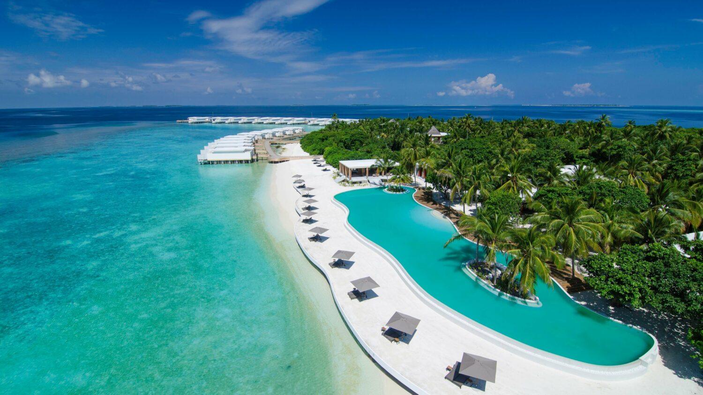 main pool-amilla fushi maldives