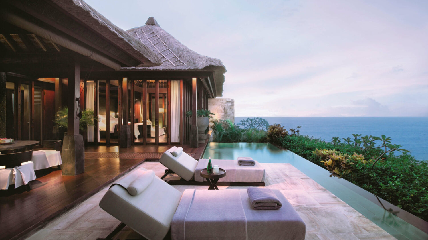 poolside spa-bulgari hotel bali-Die 10 besten Spa Luxus Hotels