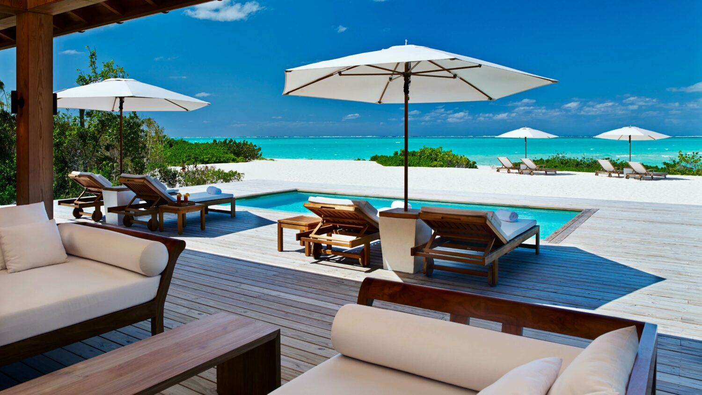 pool view beach-como parrot cay
