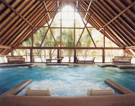hydrotherapy pool-COMO cocoa island maldives