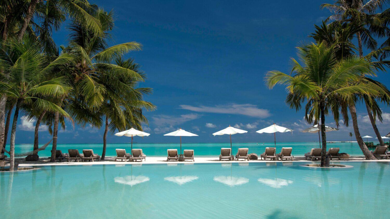infinity pool-gili lankanfushi maldives