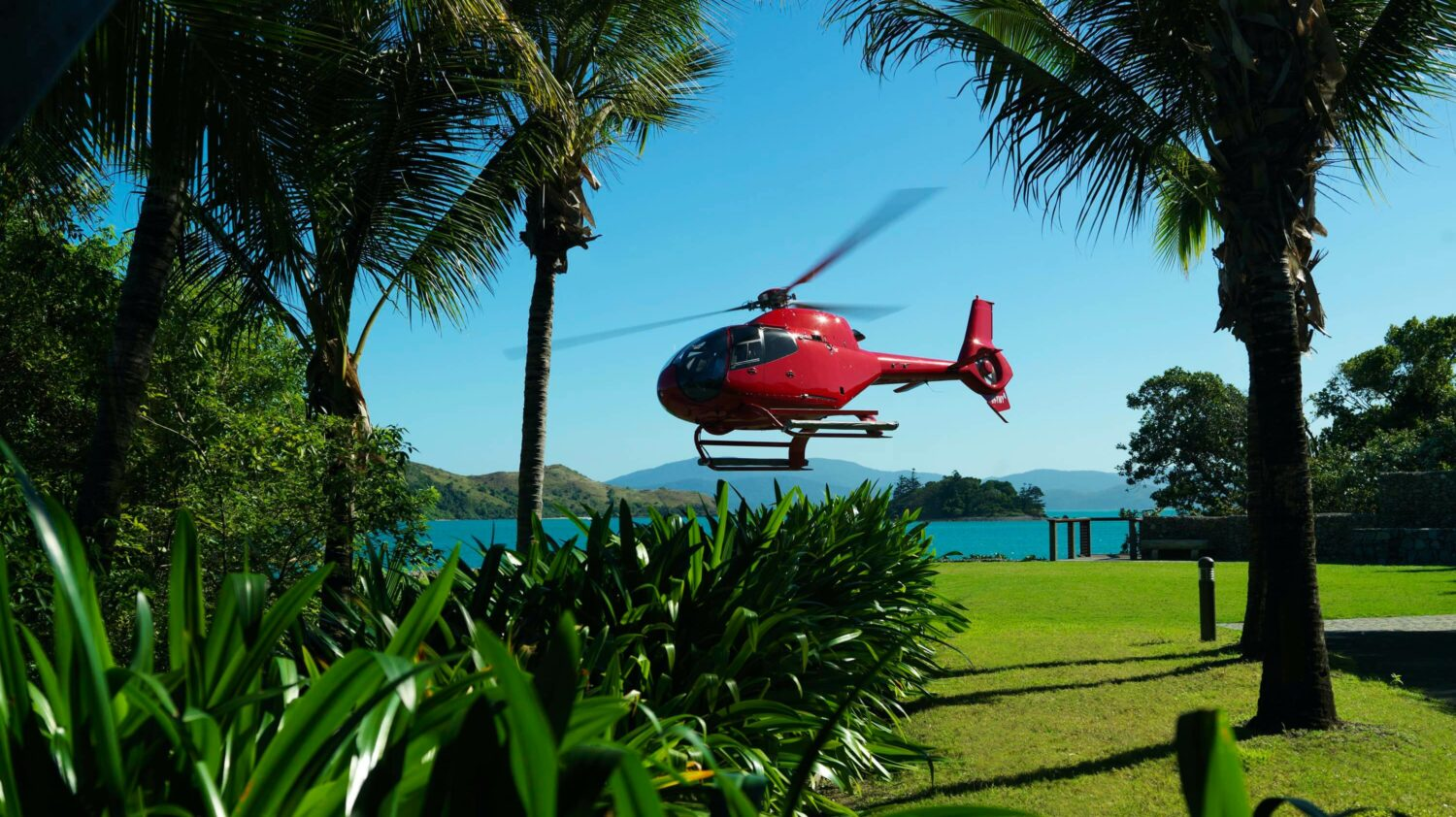 helicopter tour-qualia resort australia