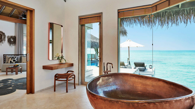 freestanding bathtub-fairmont maldives