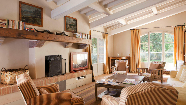 livingroom-rosewood castiglion del bosco italy