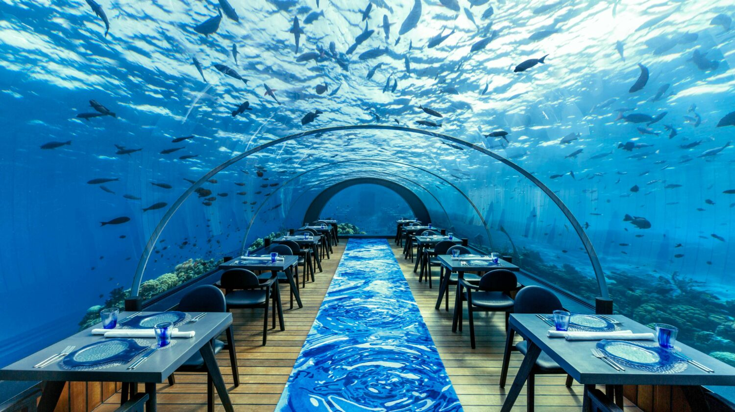 underwater restaurant-hurawalhi island resort maldives
