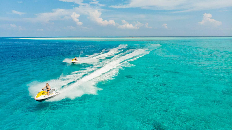 water sports-hurawalhi island resort maldives