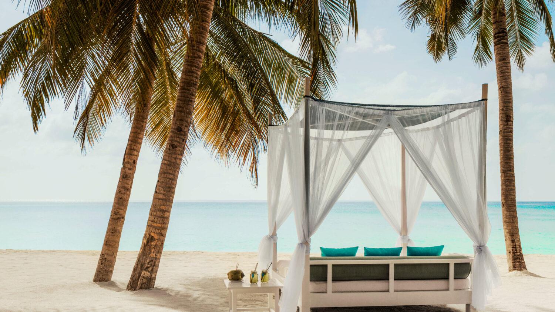 sunbed-one&only reethi rah maldives