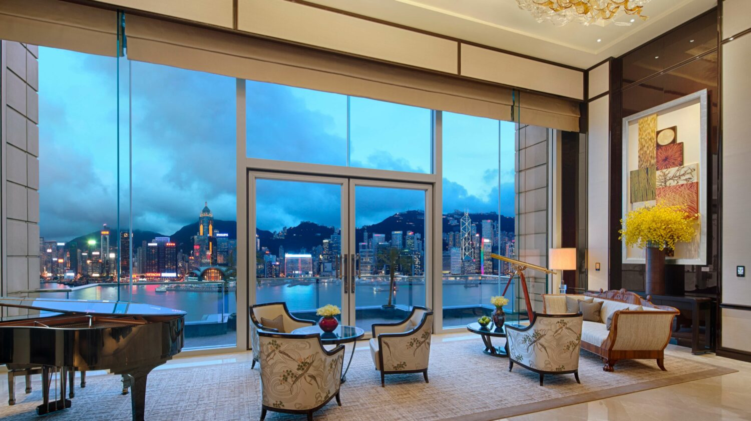 livingroom suite-the peninsula hong kong