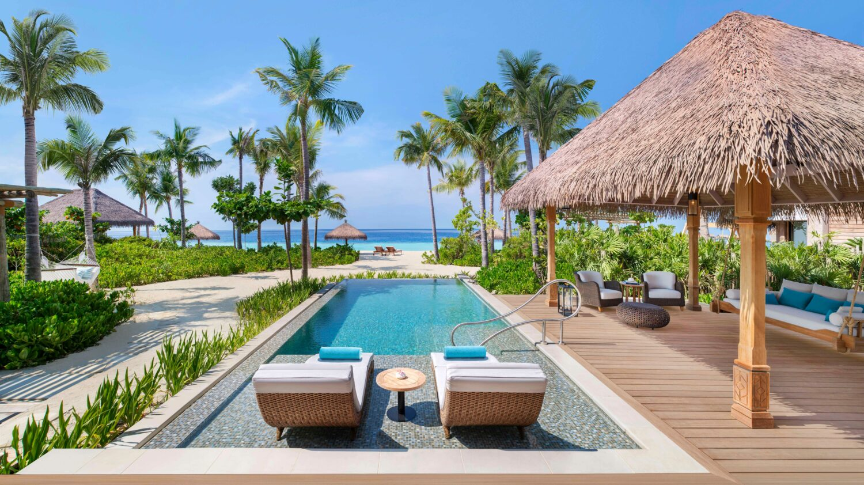 beach villa with pool-waldorf astoria ithaafushi maldives