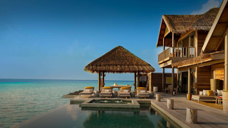 overwater villa with pool-vakkaru maldives
