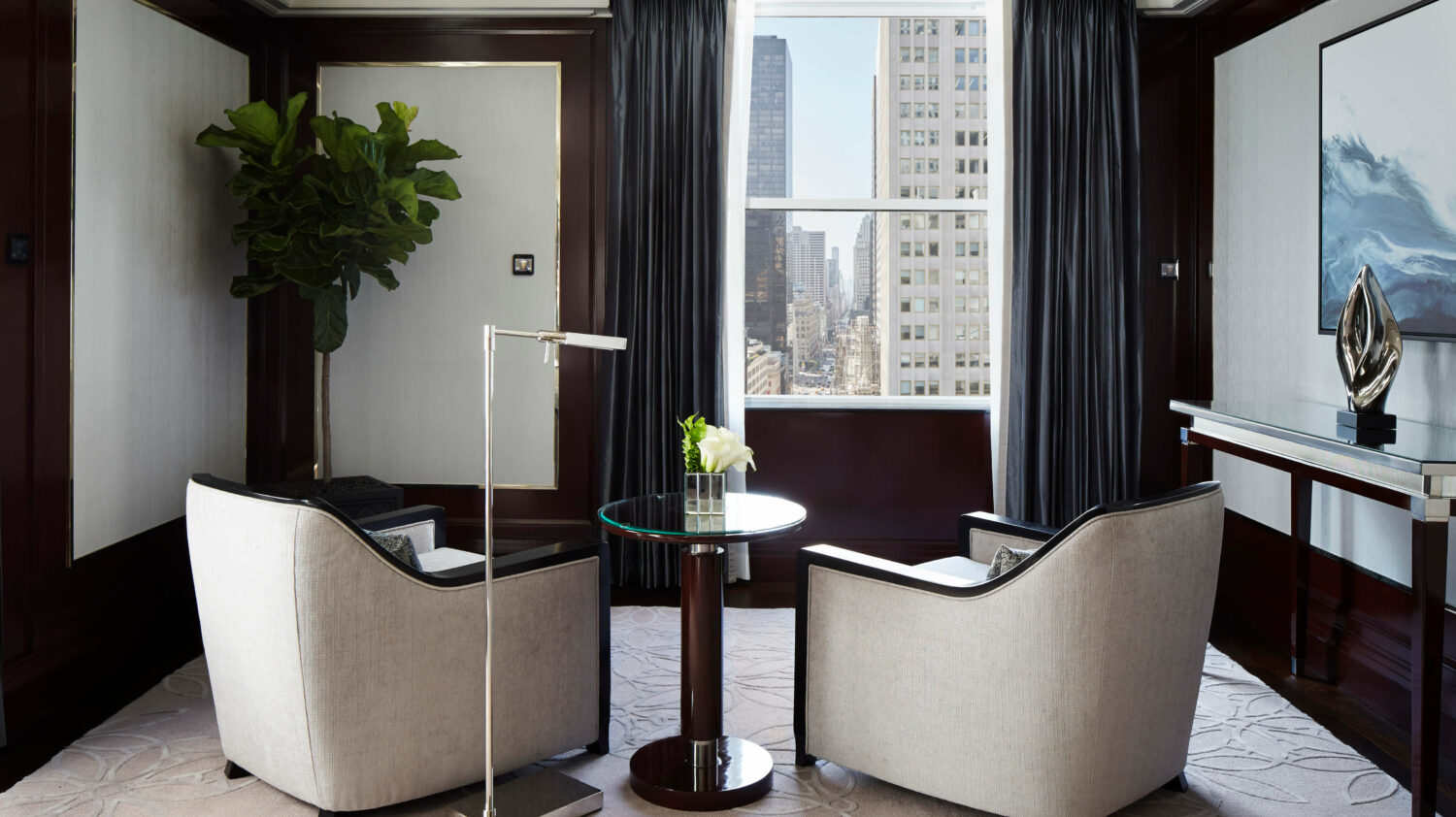 fifth avenue suite seating-peninsula new york city