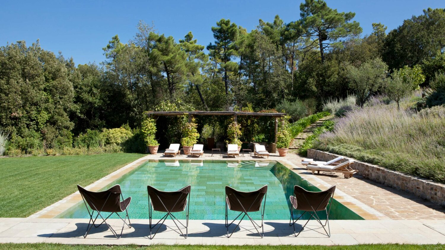 outdoor pool-rosewood castiglion del bosco italy
