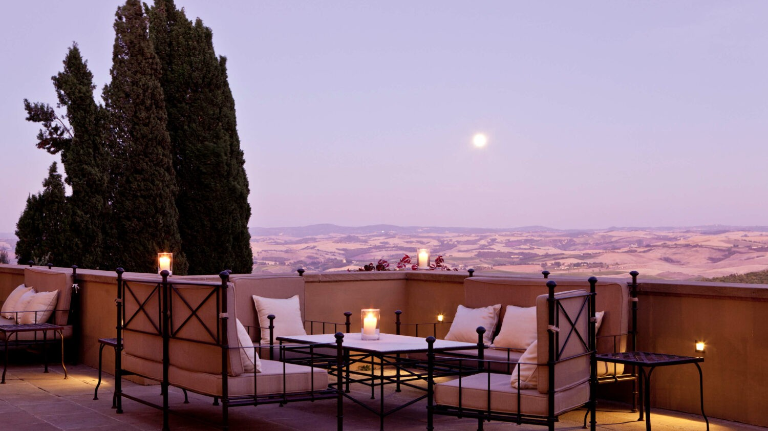 romantic sunset spot-rosewood castiglion del bosco italy