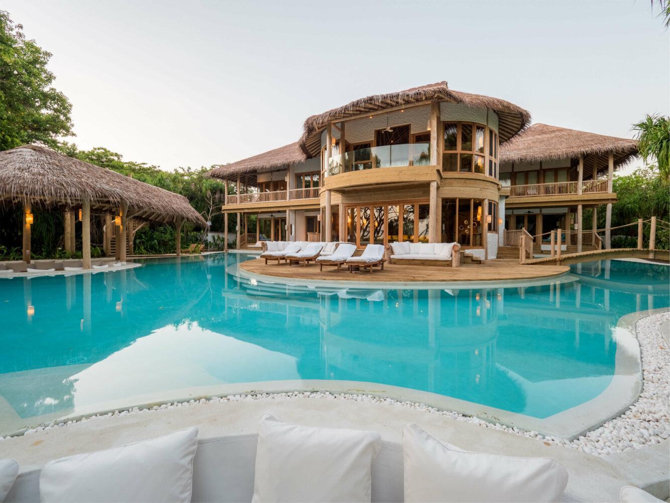 5 bedroom villa with pool-soneva fushi maldives