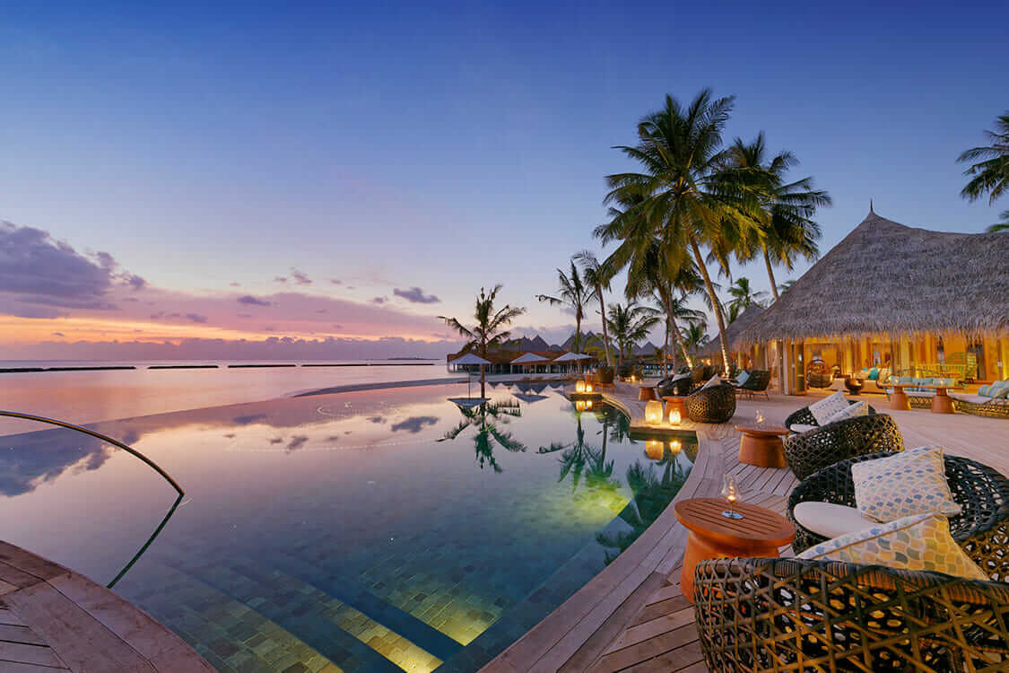 infinity pool-the nautilus maldives