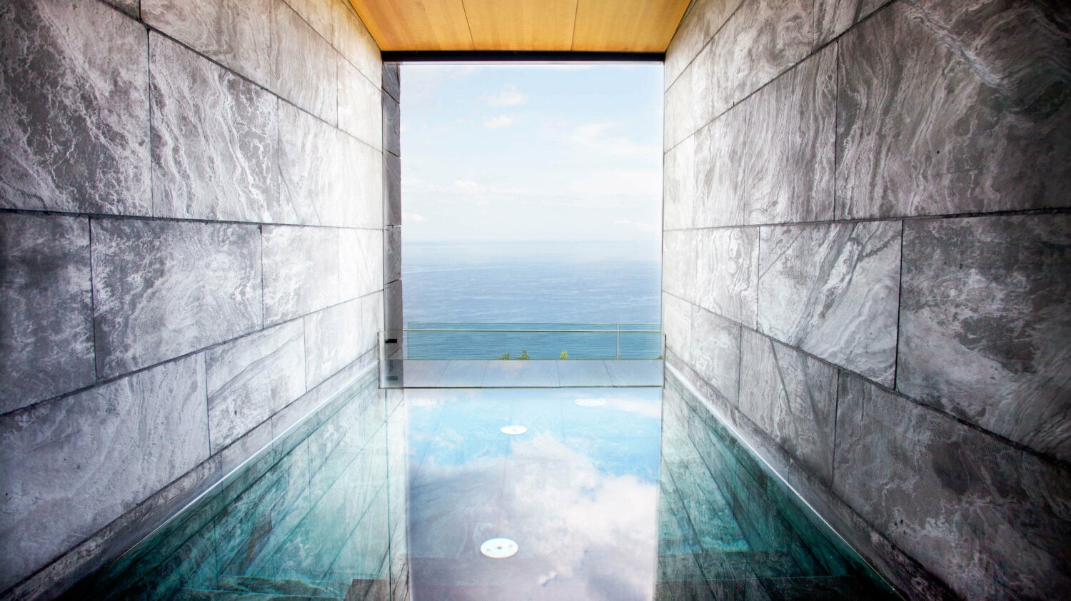 wellness pool-akelarre spain