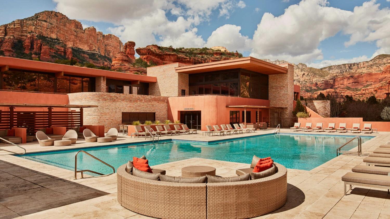 hotel pool-enchantment resort usa