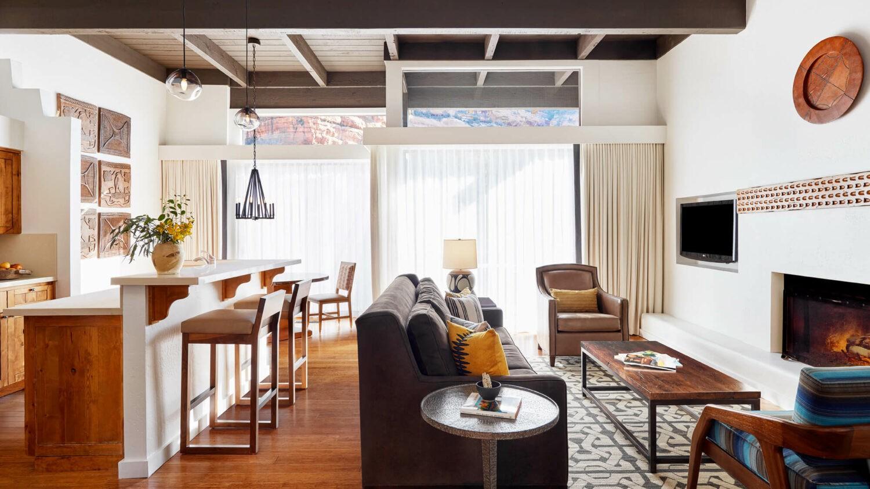 livingroom-enchantment resort usa