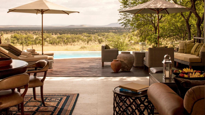 infinity pool-four seasons safari lodge serengeti