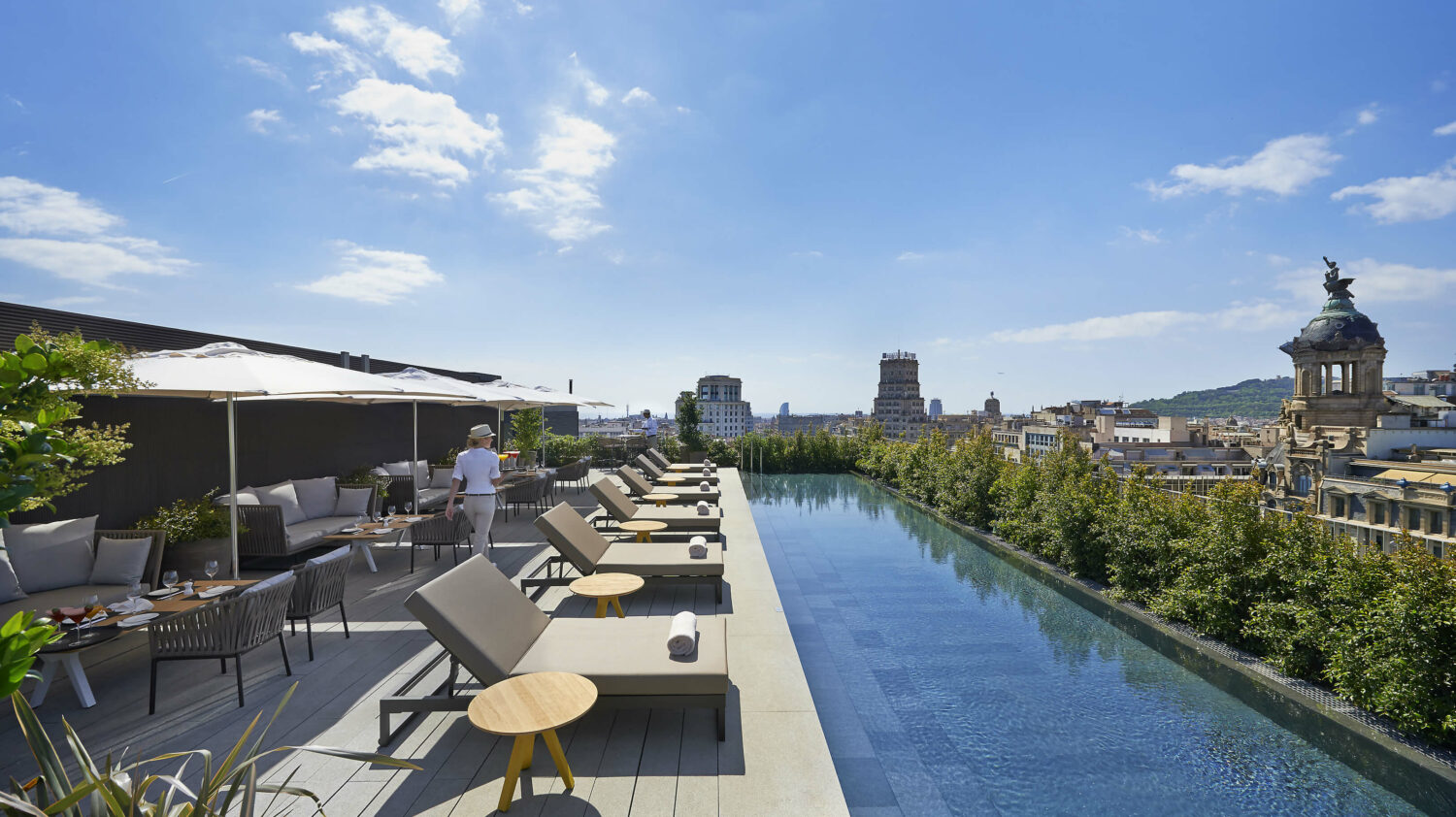 rooftop pool-mandarin oriental barcelona spain