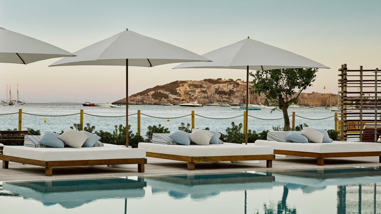 sunbeds pool-nobu hotel ibiza bay