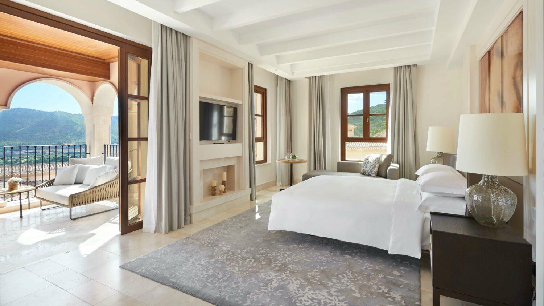 modern bedroom-park hyatt mallorca
