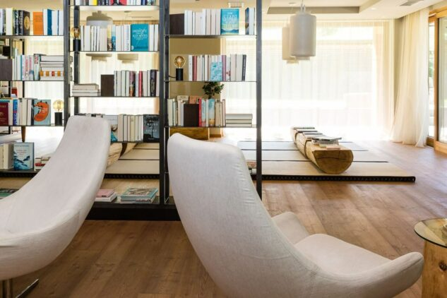 literature lounge-silena hotel