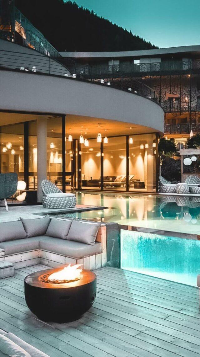 outdoor swimming pool-silena
