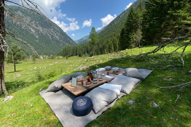 romantic picnic-silena hotel