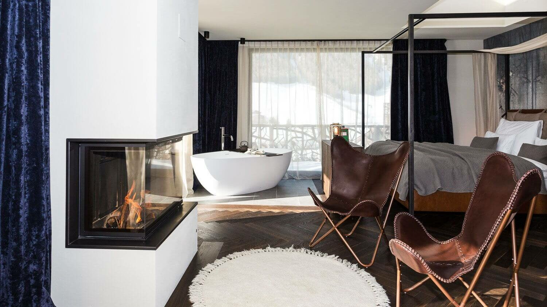 suite with bathtub-silena hotel