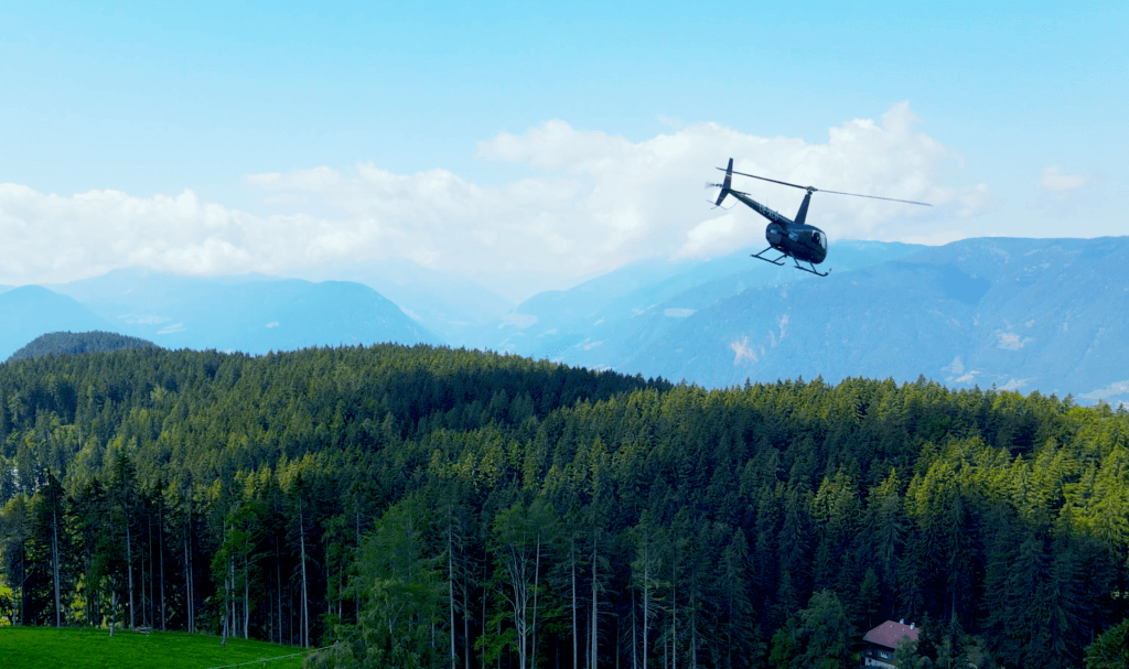 helicopter-hotel chalet mirabell