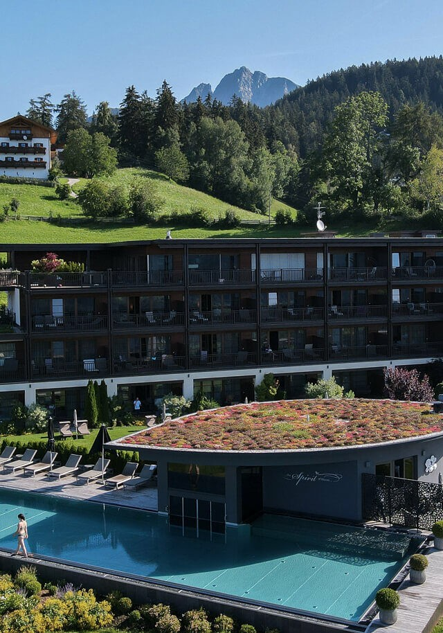 hotel-chalet-mirabell-pool-front-view