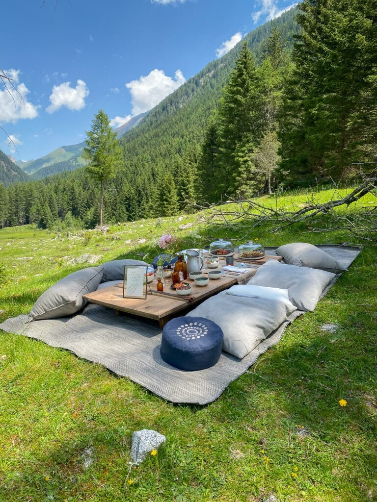 picnic-cloth-hotel-silena-review