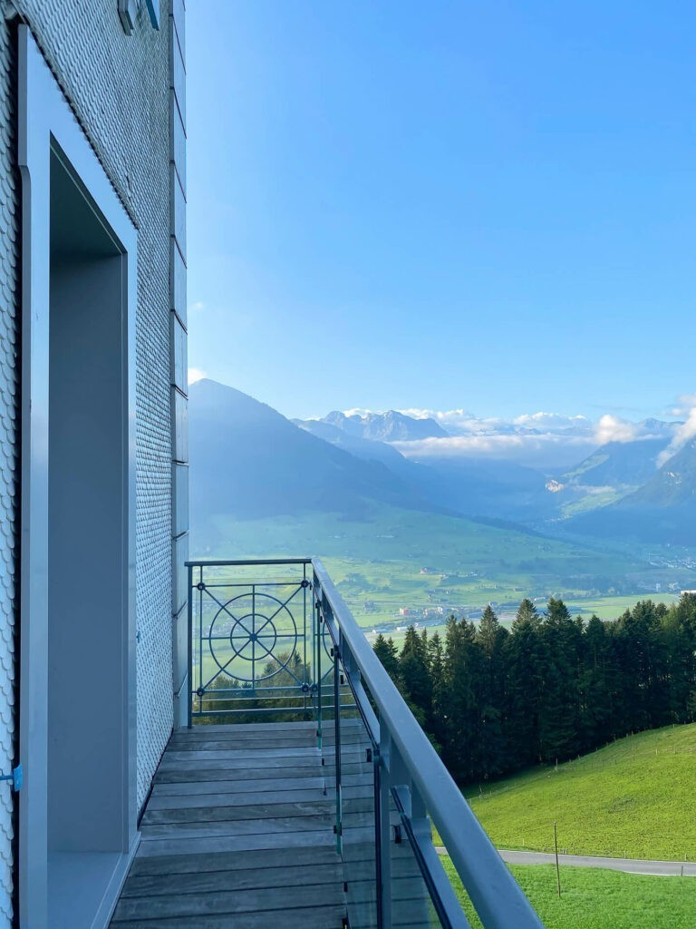 villa-honegg-accommodation-classic-room-72hih