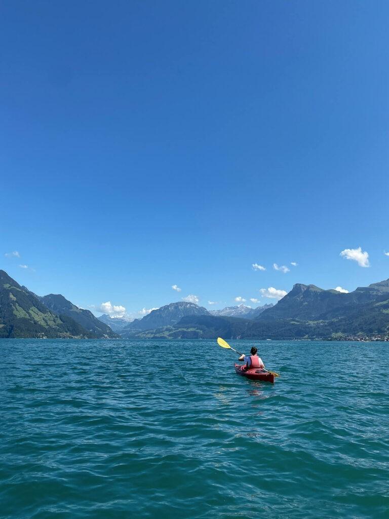 villa-honegg-lake-canoe-tour-72hih