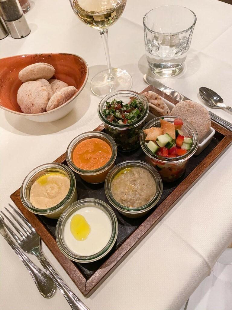villa-honegg-restaurant-dish-evening-72hih