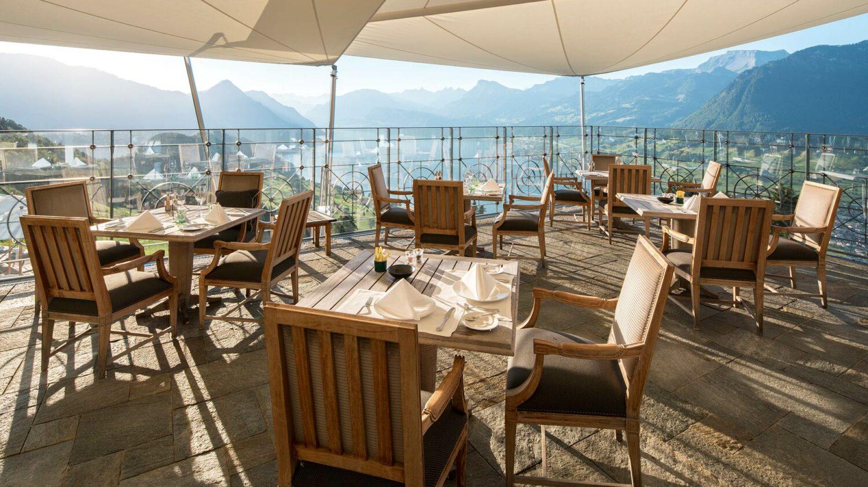 villa-honegg-restaurant-terrace-view