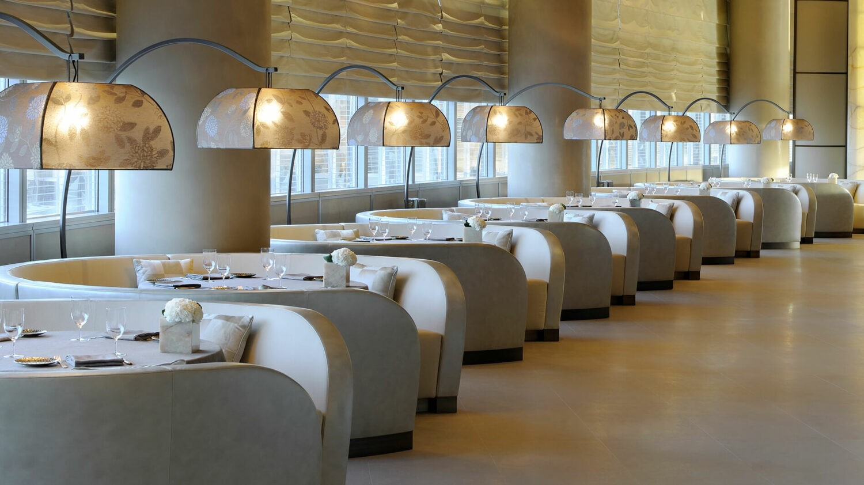 armani-hotel-dubai-dining-tables