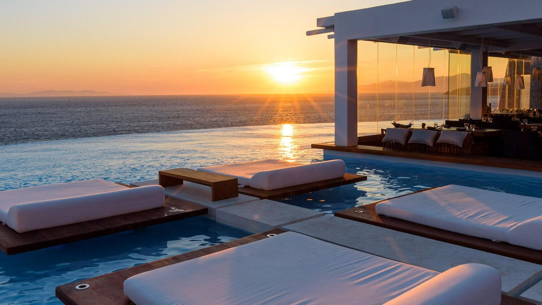 cavo-tagoo-mykonos-pool-sunset
