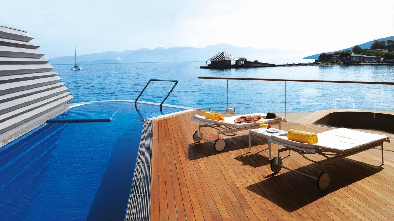 elounda beach hotel villas greece-majesty-yachting-villa
