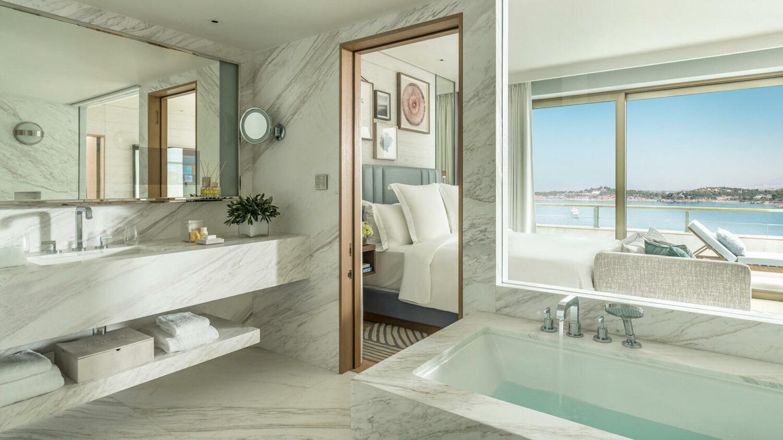 four seasons astir palace hotel athens-bathroom