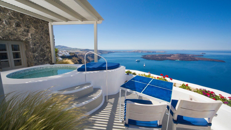 iconic santorini-caldera-suite-pool