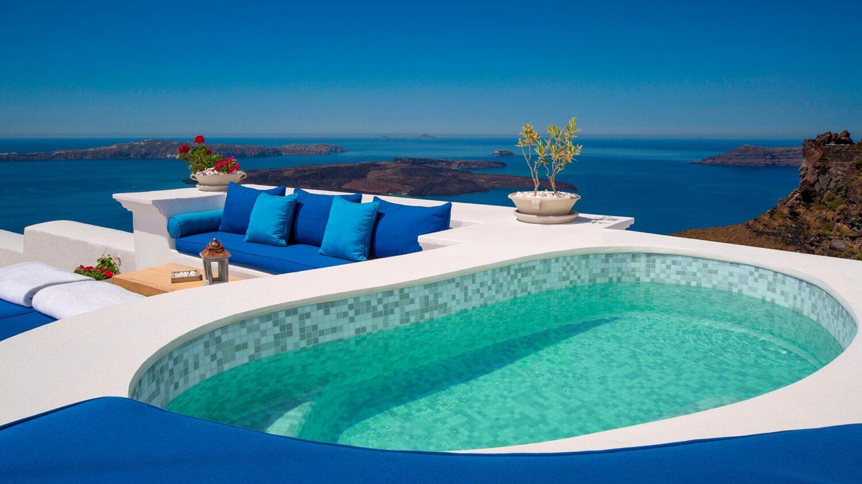 iconic santorini-jetted-pool