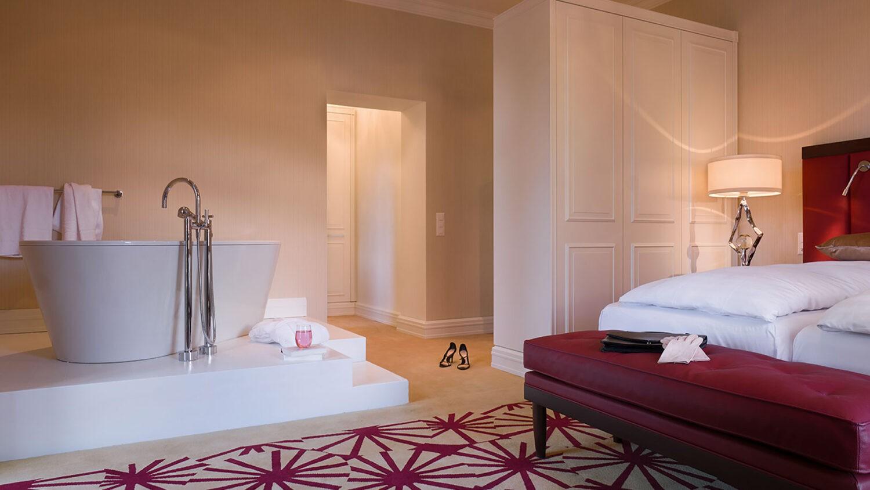 waldhaus-flims-bedroom