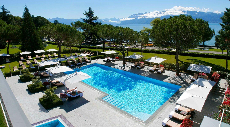 beau-rivage palace switzerland-outdoor-pool