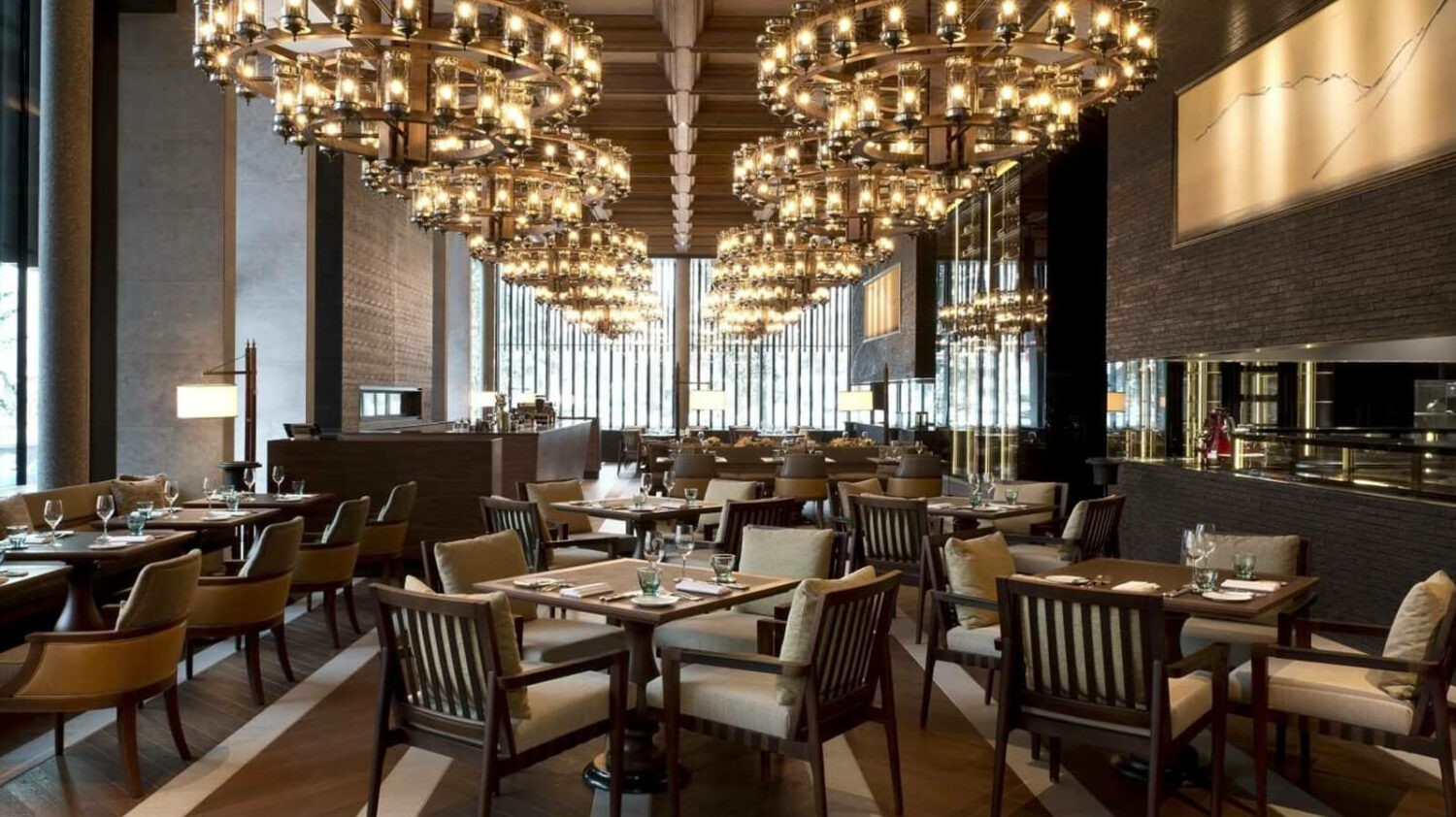 chedi-andermatt-restaurant-dining-room