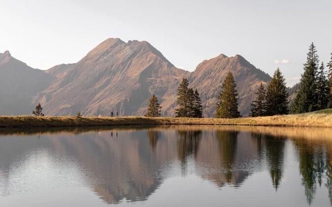 das-edelweiss-hotel-area-lake